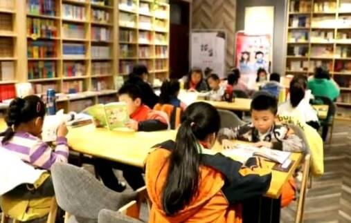 """政府每年拿500多万、社区腾出黄金地段,泰安肥城为百姓搭起家门口的""""图书馆"""""""