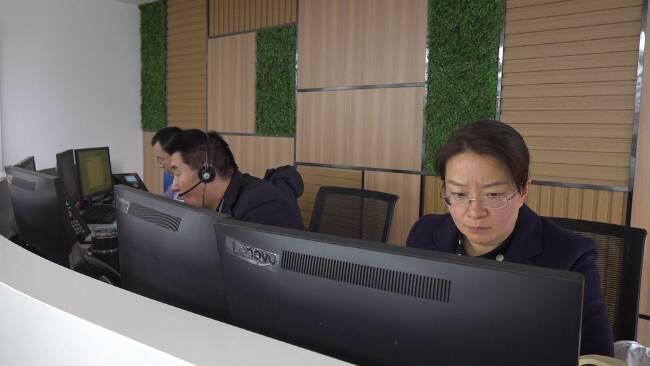 74秒|日均受理1022件!潍坊城区热企分管负责人轮值接听12345热线