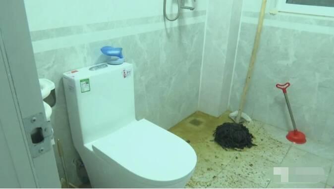 臭气熏天!地漏疏通不开,泰安一小区居民新房被污水浸泡