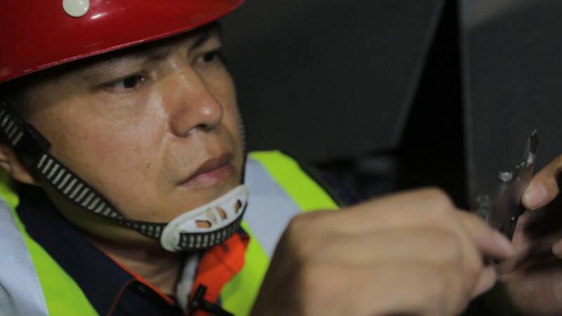 喜报!青岛地铁有了首个全国劳模 这个岗位他一干就是26年