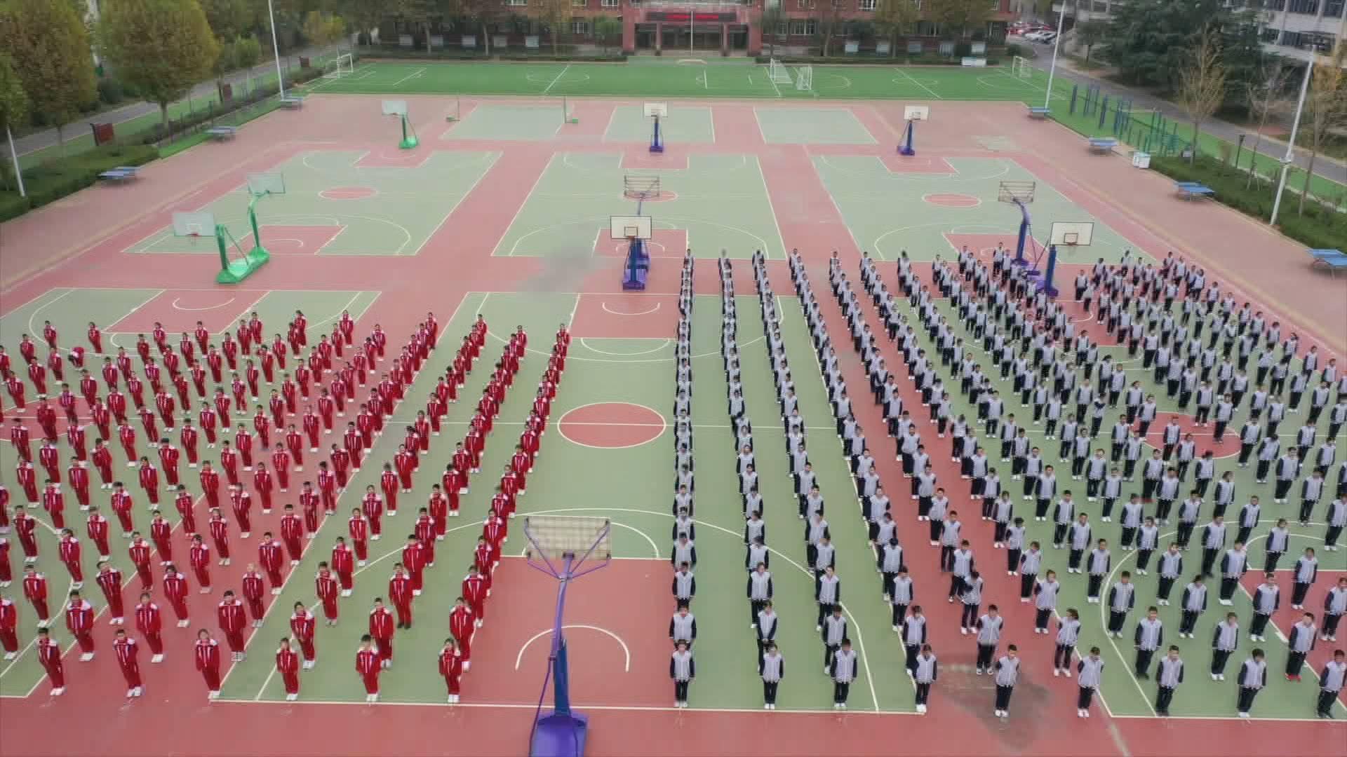 跑操变跳舞!500多名师生一起跳的快乐舞步了解一下