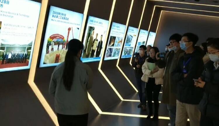"""51秒丨""""高质量发展看山东""""媒体采风团走进潍坊话发展"""