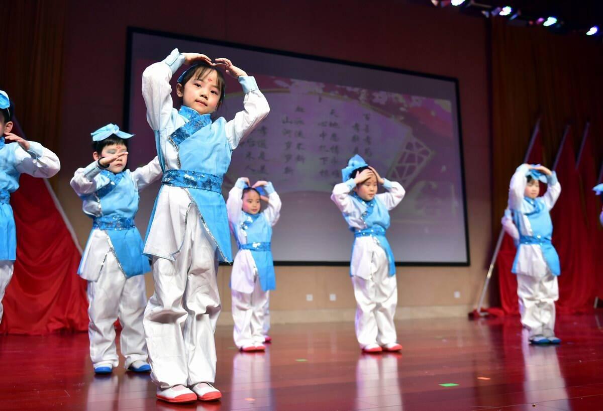 影像力丨中国娃用浓浓中国味儿迎接新年到