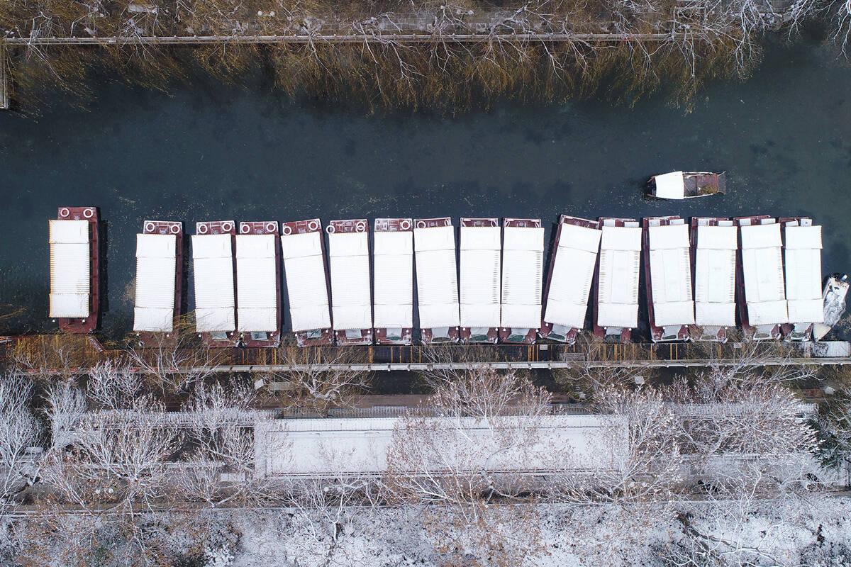 影像力|大明湖畔詩意盎然,一場冬雪讓我們回憶起那篇《濟南的冬天》