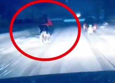 20秒丨男孩骑车时不慎摔倒,后方司机为避让选择撞墙