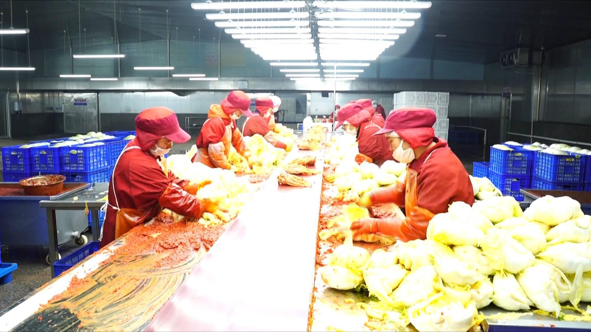 77秒丨山东企业输韩泡菜居全国首位 每天出口近100吨仍供不应求