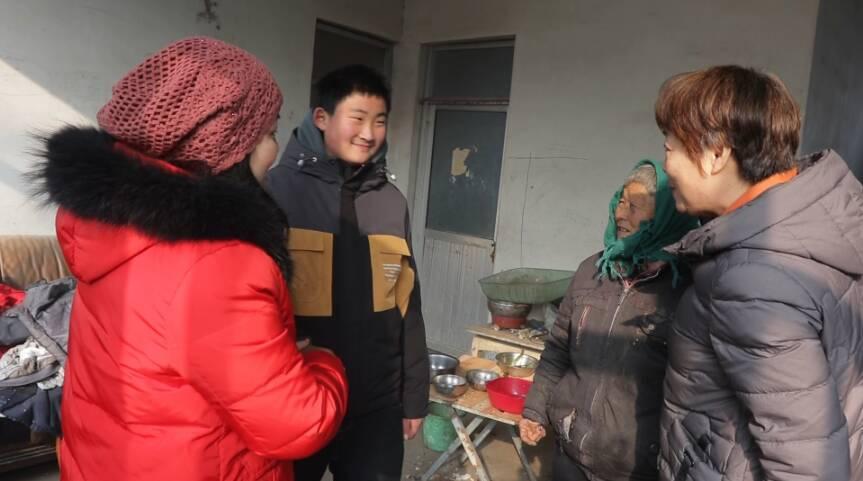 34秒|天气最冷,人心最暖!枣庄市中区爱心志愿者情暖困难儿童