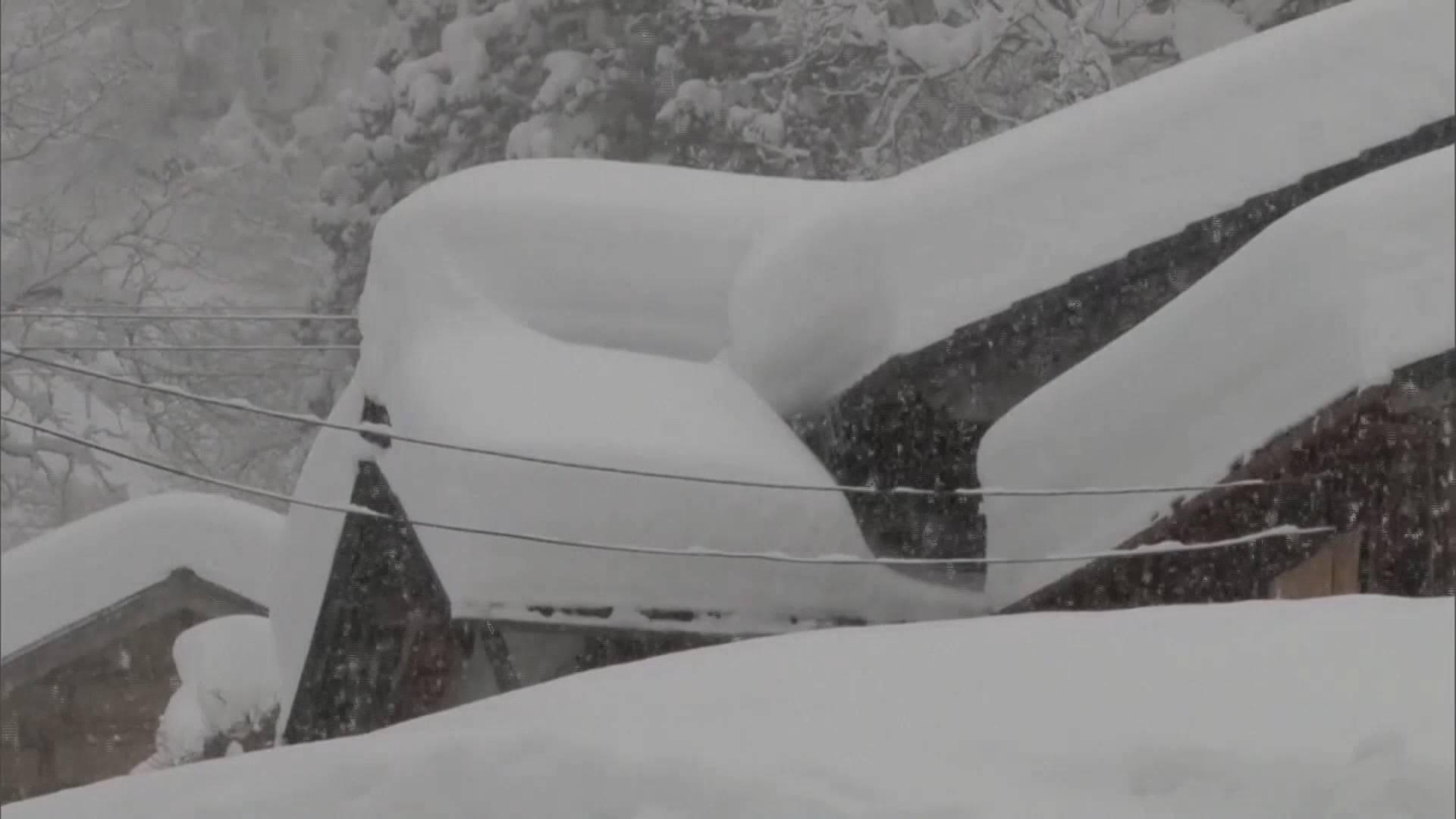 35秒丨日本多地连降大雪部分地区积雪厚度超2米 已造成至少10人死亡