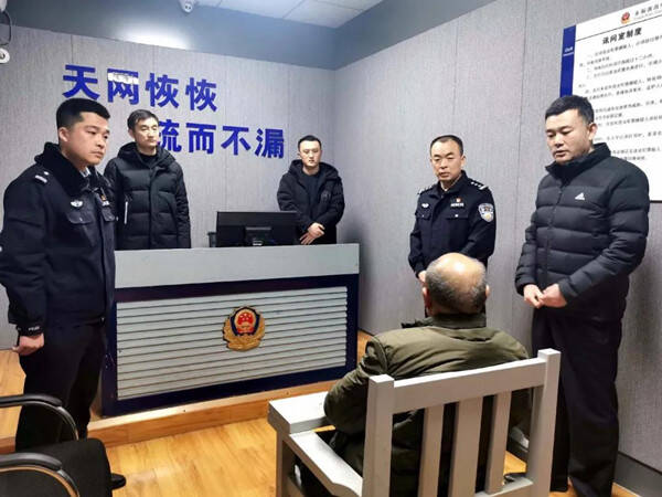 开三轮车尾随抢劫单身妇女 枣庄63岁老汉作案多起已被刑事拘留