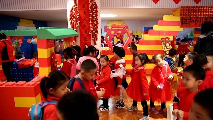 """幼儿园里""""逛庙会"""" 东营区将""""庙会""""搬到学校 让学生体验民俗感受年味"""