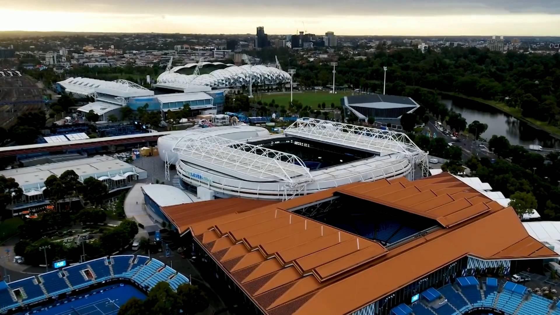 51秒丨澳网球员陆续抵澳 多人行前确诊感染新冠肺炎再度引发担忧