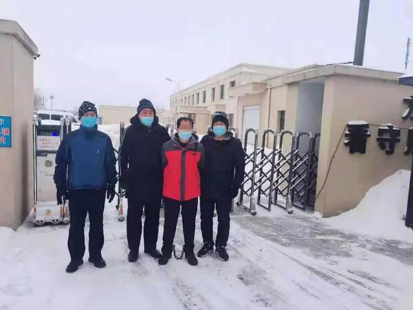夫妻合伙偷玉米 潜逃3000里到黑龙江被警方抓获