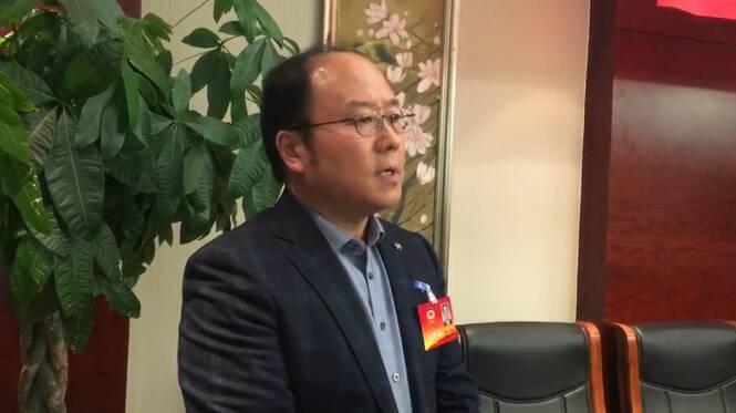 34秒 枣庄市政协委员刘忠立:建议加大对农民工工伤赔付力度