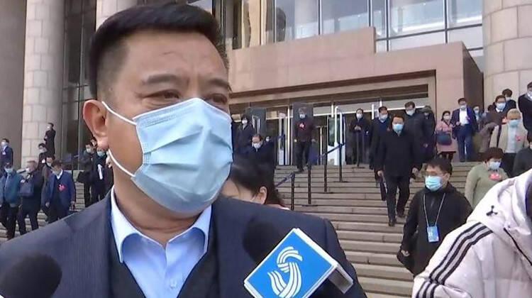 聚焦山东两会丨省政协委员赵连东:如何巩固脱贫成果 下一步还要做一些工作