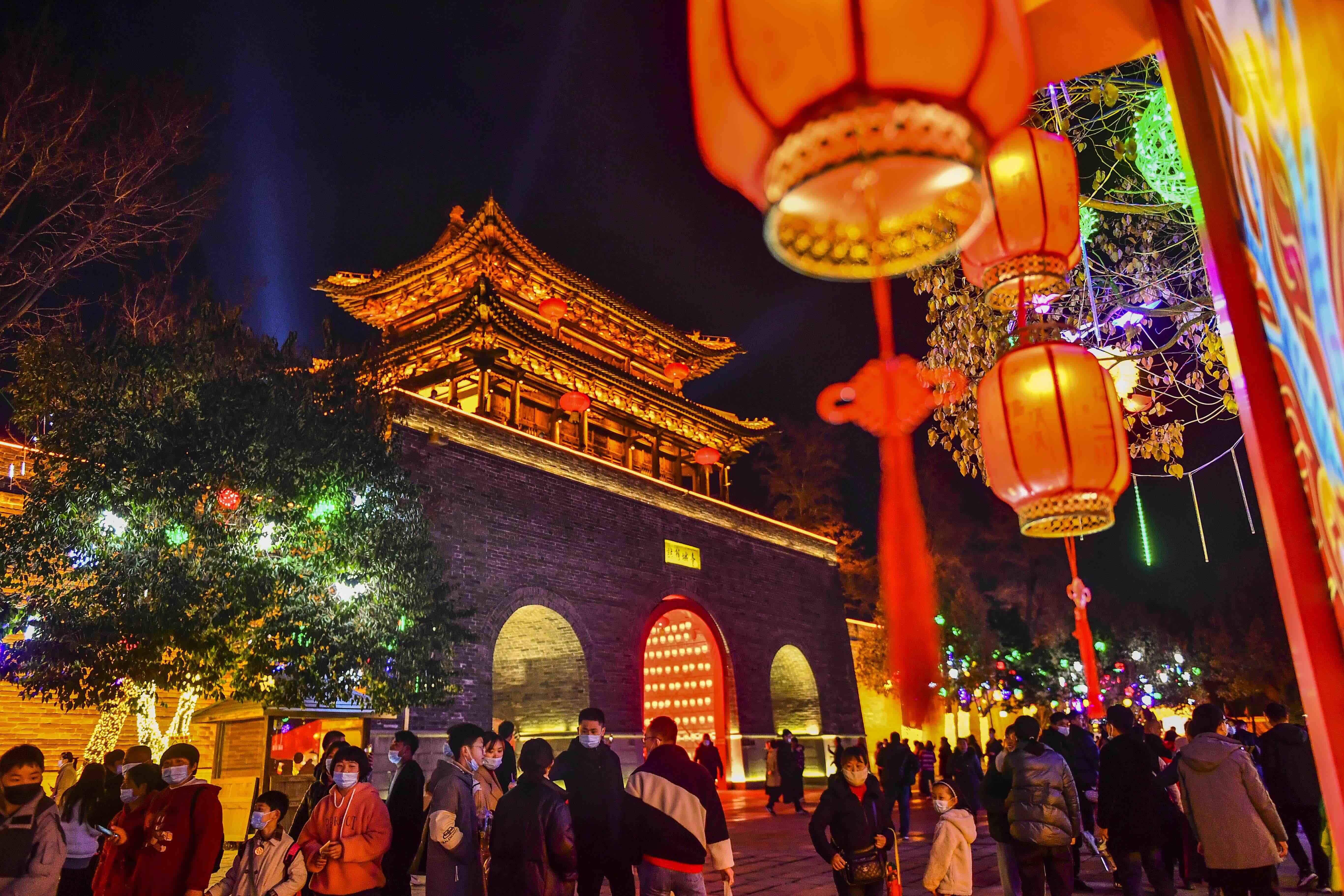 【组图】台儿庄:多彩花灯庆新年