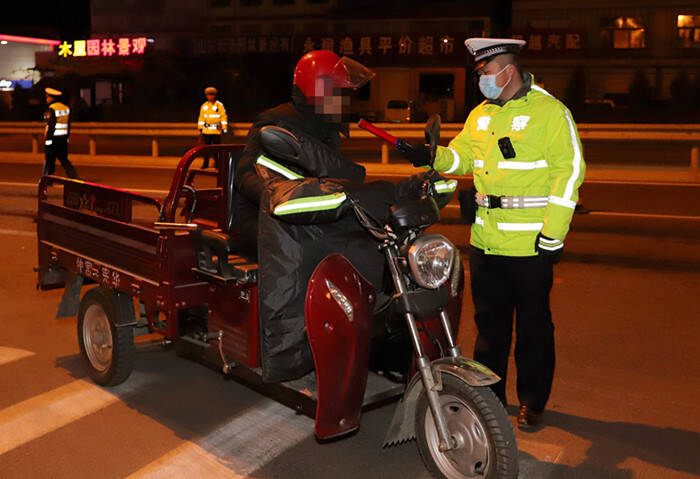 """无证驾驶摩托车、三轮车,拘留!济南交警将对""""快递外卖""""行业进行专项整治"""