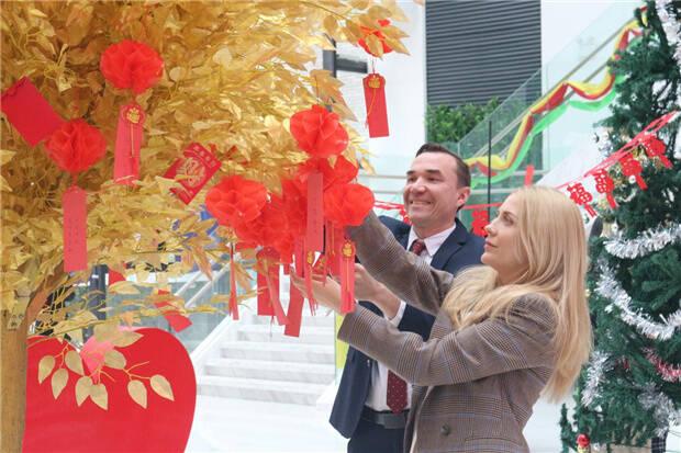 中国—上合组织技术转移中心开办上合风元宵喜乐会 传统文化融合国际范儿大获人气
