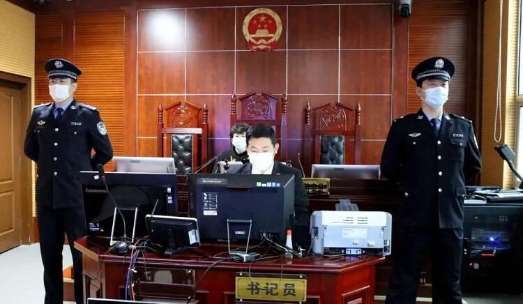2名研究生组织考试作弊,被判1年6个月