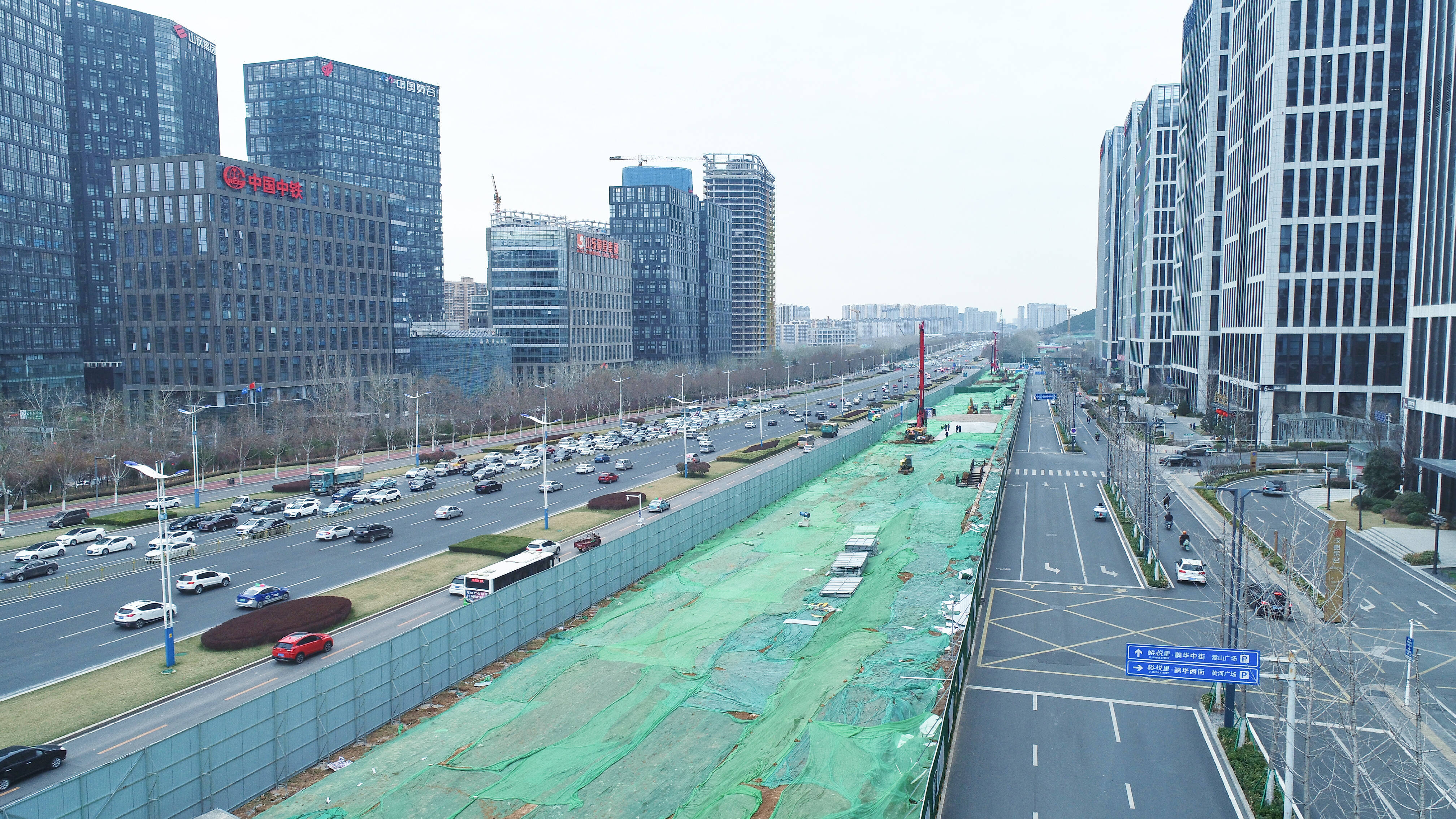 济南地铁4号线正式开工!3处围挡已经立起,舜华路附近未占用一条车道