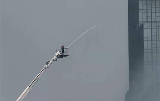 46秒|石家庄26层众鑫大厦大火基本被扑灭 无人员伤亡
