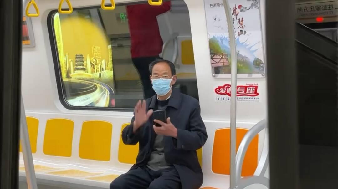 首班已发!闪电新闻记者带您体验济南地铁2号线 迎接换乘时代