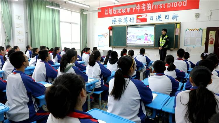 70秒|东营8个镇街中小学开展交通安全知识宣传活动 提高学生安全意识
