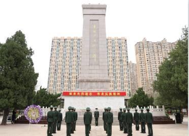 春风白花寄哀思 潍坊海警局举行清明悼念活动