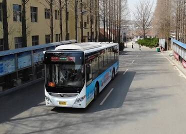 45秒|覆盖全市500多个村庄和社区!荣成市将公交专车打造成流动的党史宣传课堂
