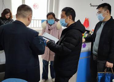 互留联系卡、详细了解企业诉求 潍坊市坊子区深入推进服务企业专员制度