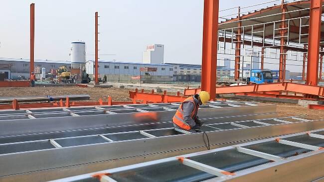 80秒丨包靠服务跟着项目走!潍坊昌乐投资16亿元的省级重大项目8月试生产
