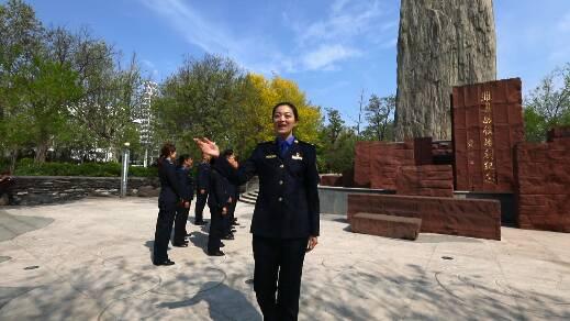 81秒|潍坊市潍城区综合行政执法局党员干部齐唱红歌 歌颂党的辉煌成就