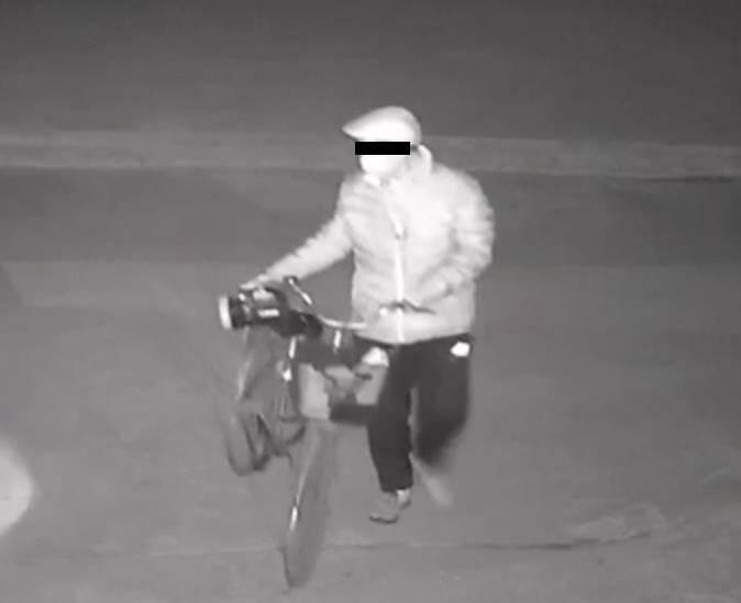28秒|抓住了!临沂河东一老汉骑自行车入室盗窃现金6000余元、电动车1辆