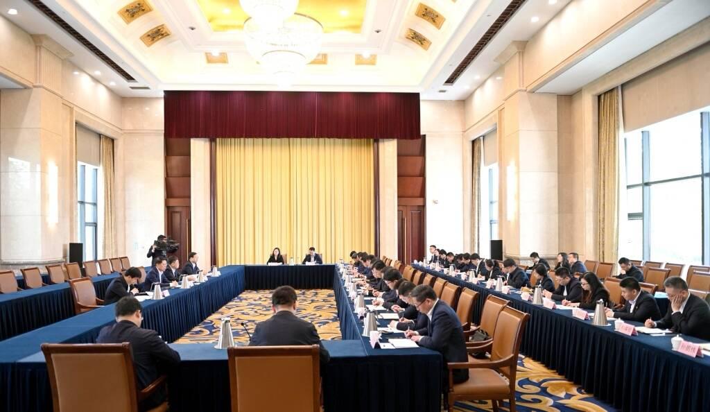 淄博市委召开新调整年轻干部集体谈话会 江敦涛寄语年轻干部