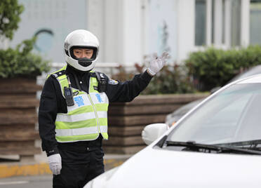 查处交通违法1.82万余起!青岛交警全力确保五一假期交通安全有序