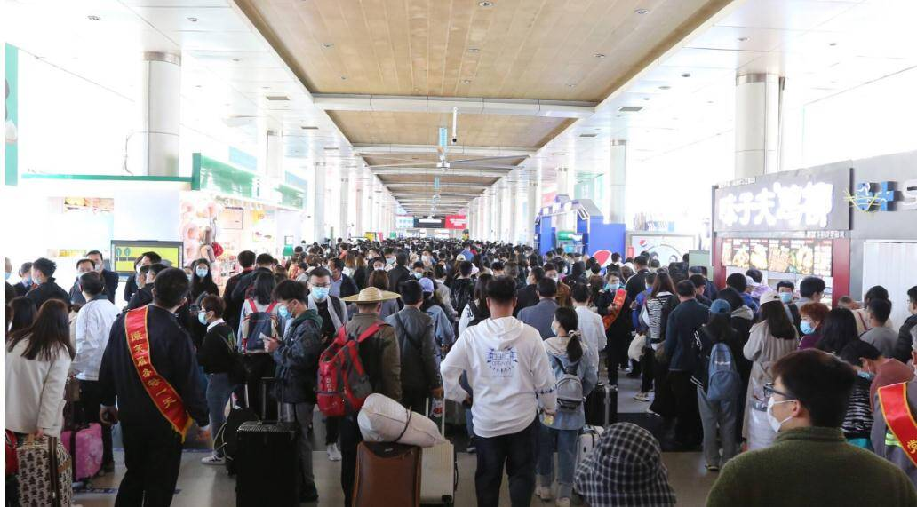 五一大数据:山东铁路、公路、航运和水运共发送旅客1202.5万人次