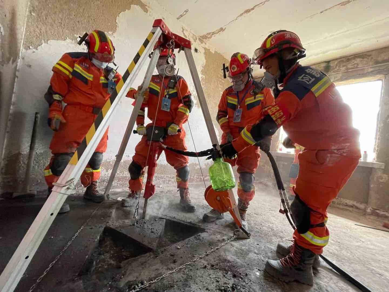 直击山东最大规模地震救援演练,看搜救犬们如何大显神威