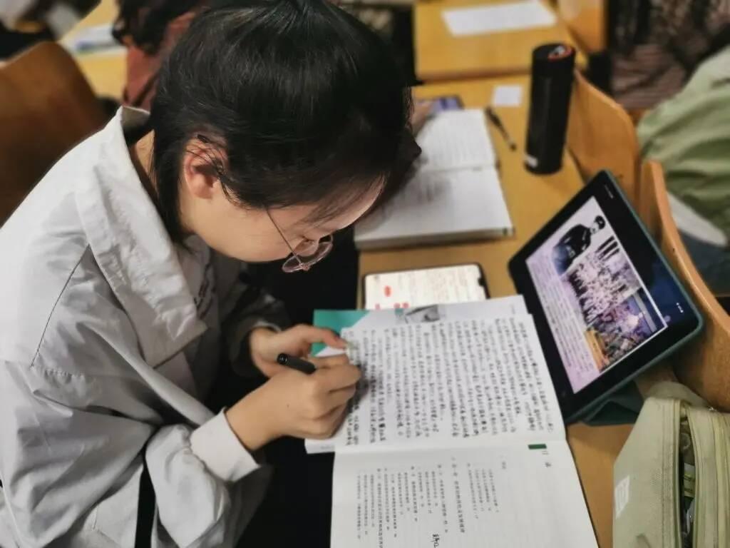 """齐鲁师范学院:5000余名学生同上一堂课纪念济南""""五三惨案"""""""
