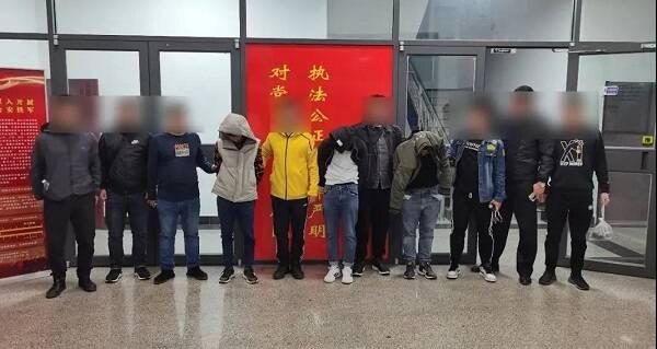 """打电诈 缉逃犯 扫""""赌毒""""  16名嫌疑人在青岛落网"""