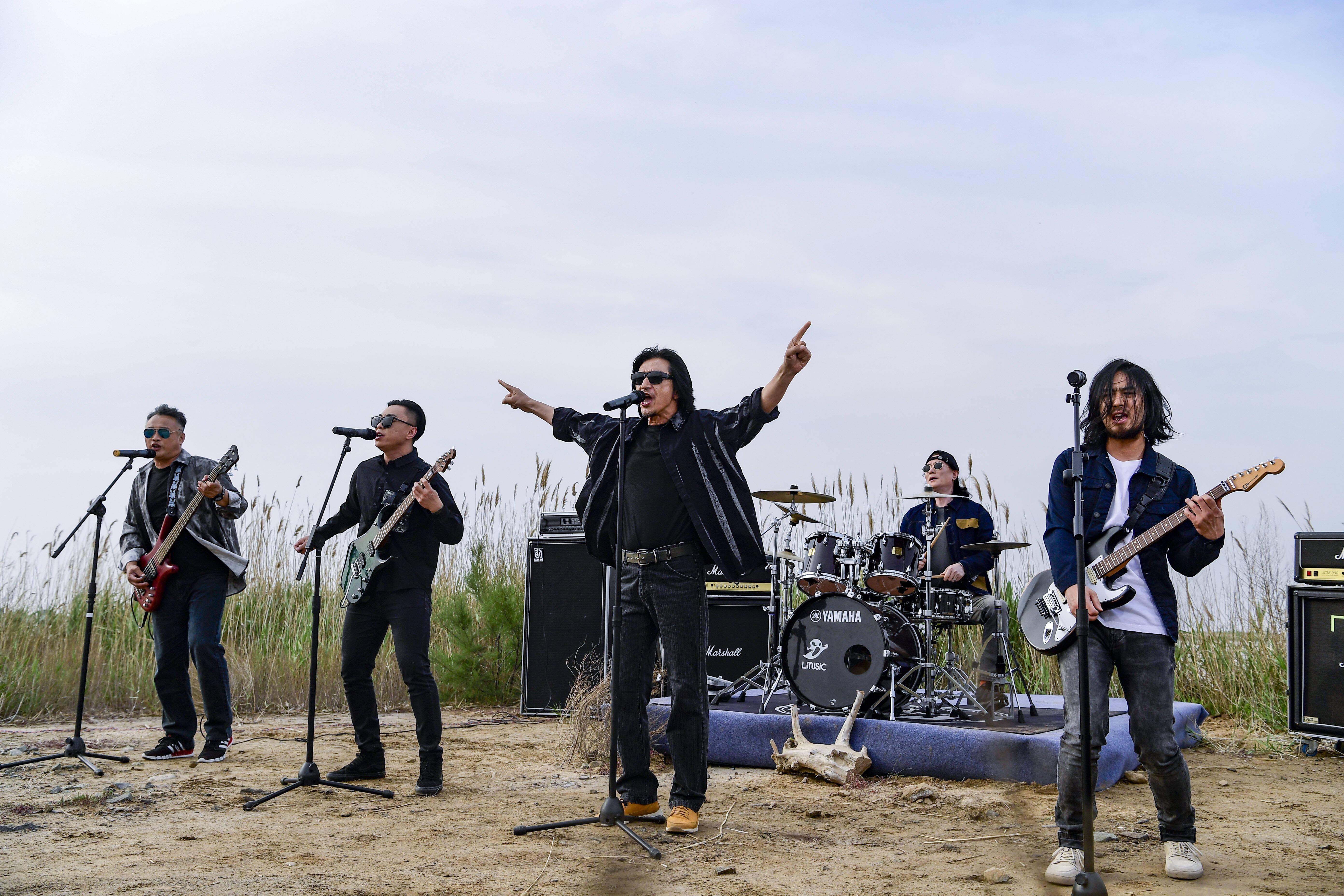 黄河奔流、芦苇摇荡 《寻声记》寻声东营 唐朝乐队热血演唱《国际歌》