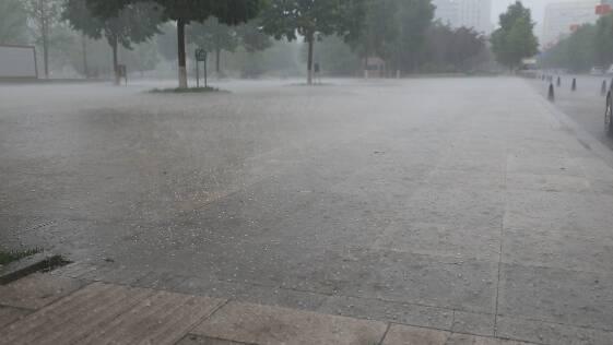 """""""强对流""""突袭潍坊 5县市区出现冰雹"""