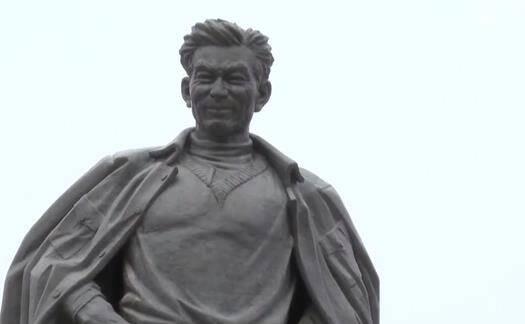 央视《新闻联播》:县委书记的榜样焦裕禄 新中国第一代全国劳动模范孟泰、时传祥