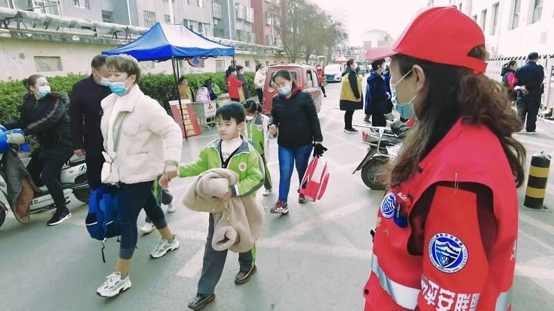"""警民联防 淄川""""平安联盟""""超7000名志愿者协助警方维护治安"""