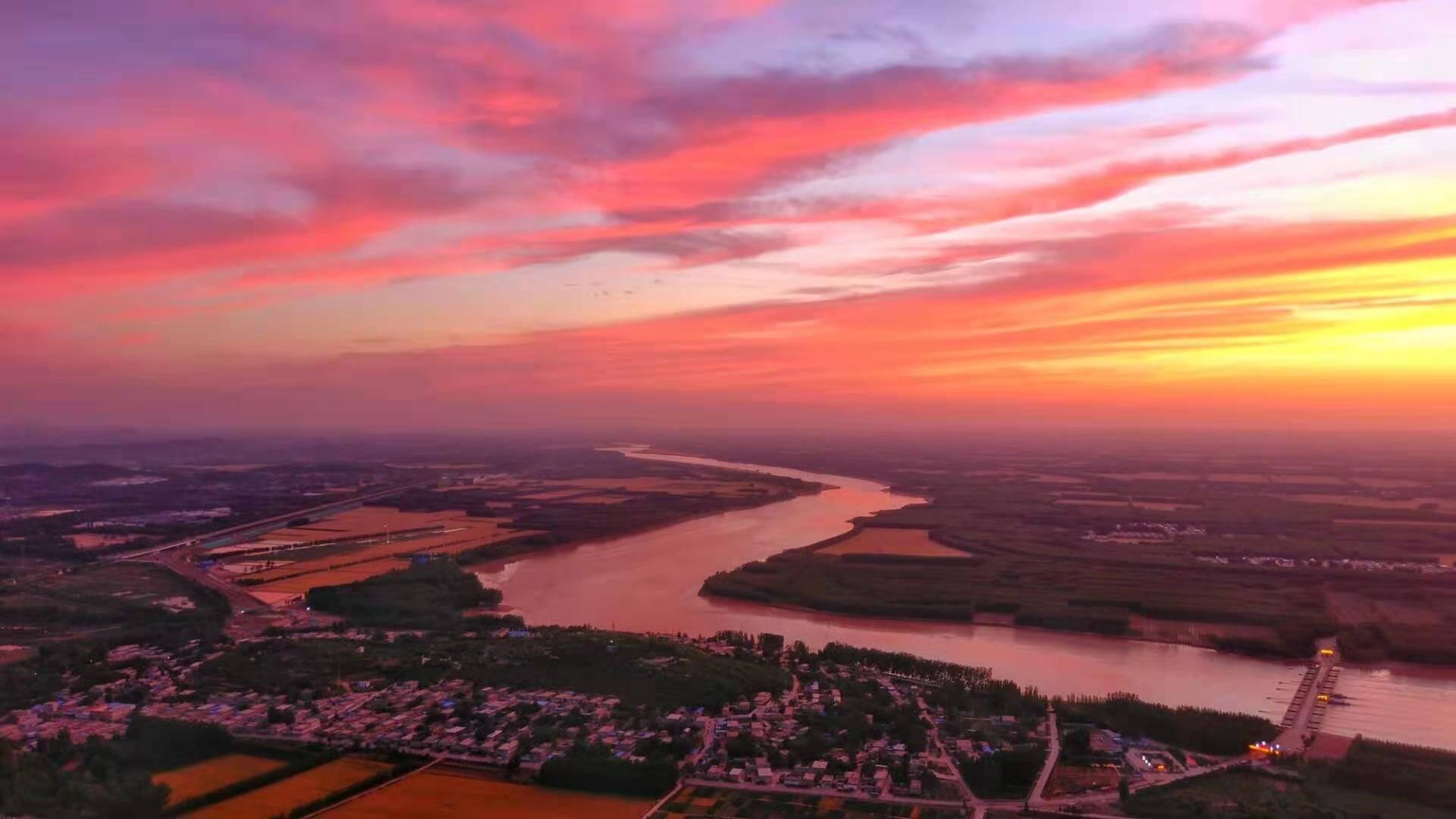 美爆了!带你回顾昨天济南黄河之畔的绝美晚霞!
