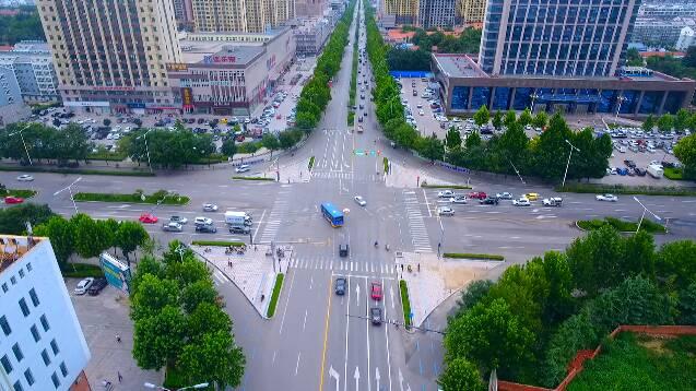 """实举措贴心""""护考""""!高考期间 潍坊市区的考生可免费乘坐公交车"""