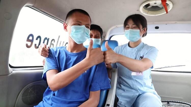 高考特写|聊城一考生突发急性阑尾炎,被救护车送进考场,医护将全程守护