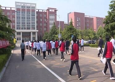 """荣成市2382名考生参加高考 各部门为高考""""护航"""""""