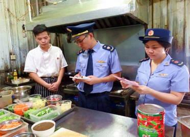 """潍坊市市场监管局出台食品生产环节""""三张清单"""" 实现食品生产精准监管"""