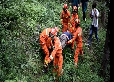 男子山上干活不慎跌落 威海消防緊急救援