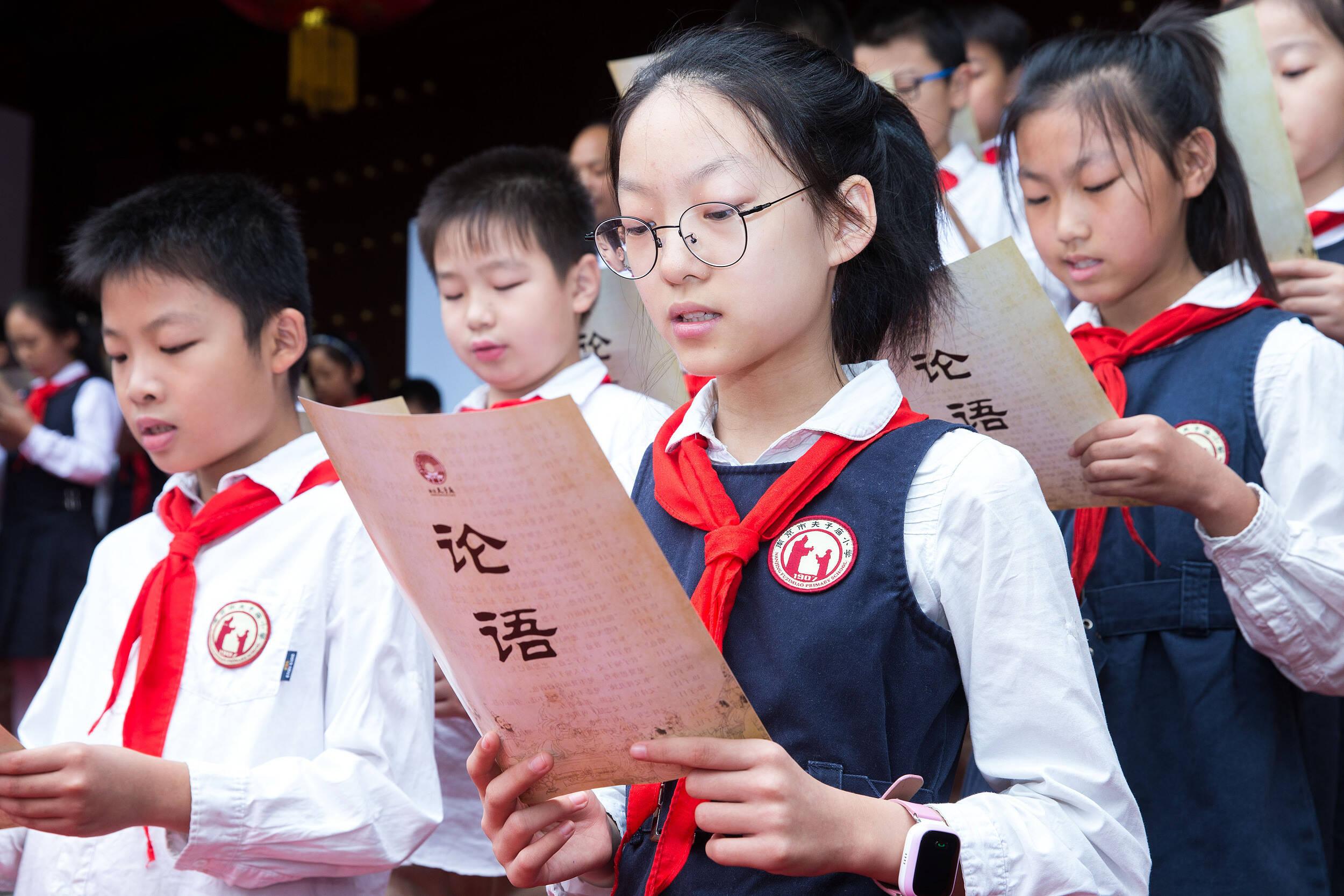 在与时偕行中讲好可信可爱可敬的中国故事|闪电评论