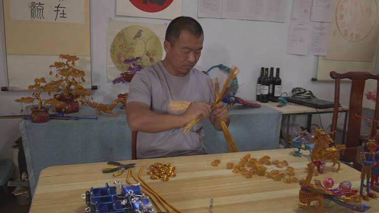 潍坊临朐手工艺人高兴双:铝丝编织大千世界